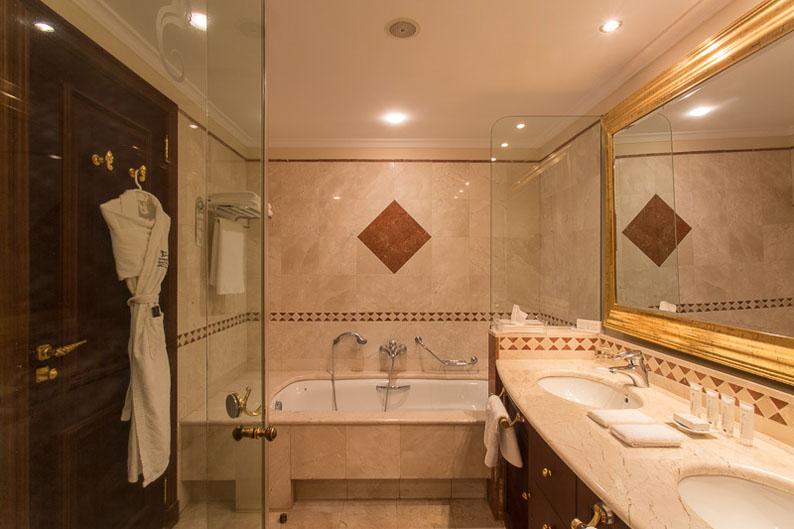 Baño. Kempinski Hotel Bahia