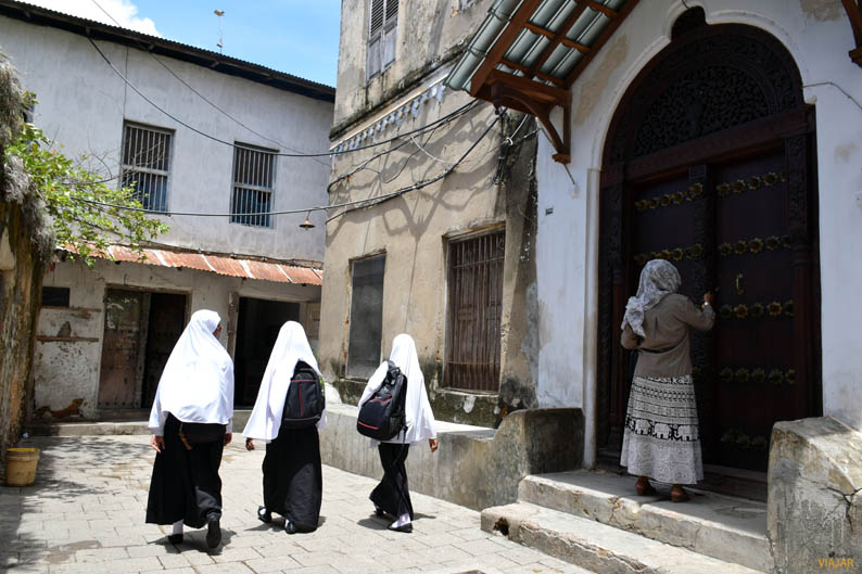 Puerta de madera. Stone Town. Zanzibar