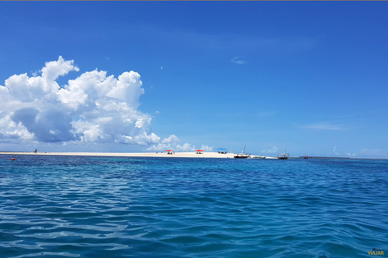 Rumbo al banco de arena. Crucero Safari Blue. Zanzibar