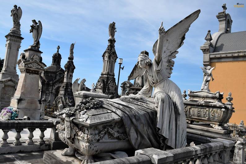 Cementerio de La Carriona, Aviles