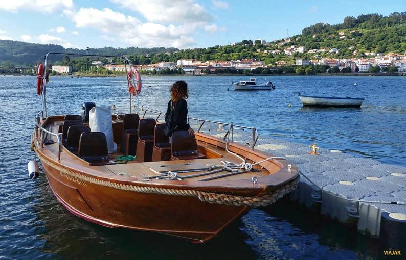 Barco Anduriño. Cabanas