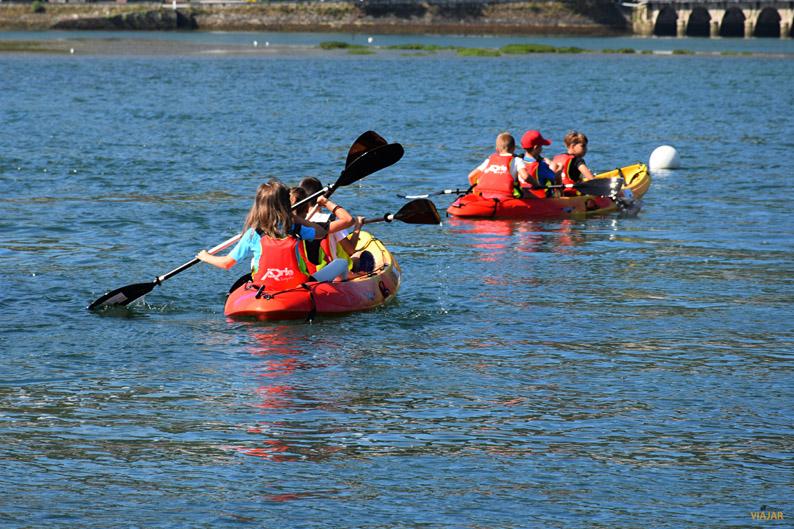 Kayak en la ria de Ares. Cabanas