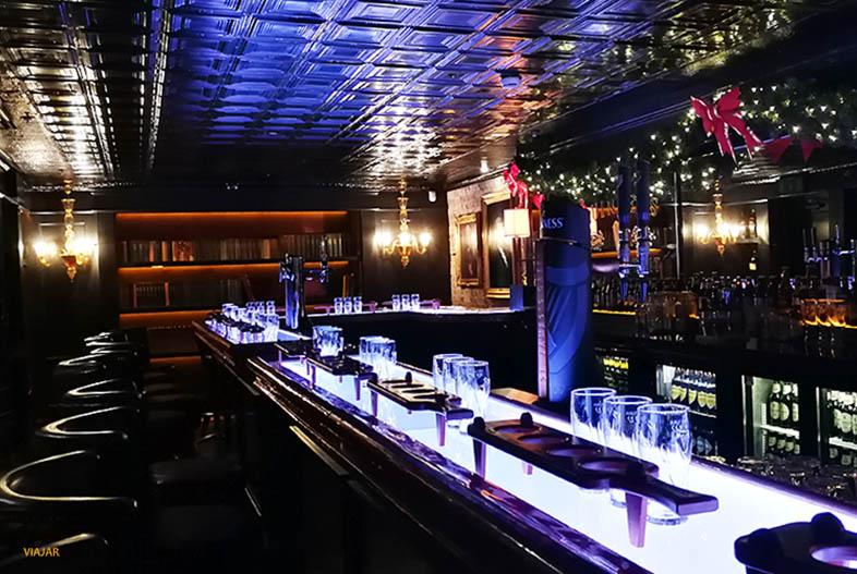 Connoisseur Bar