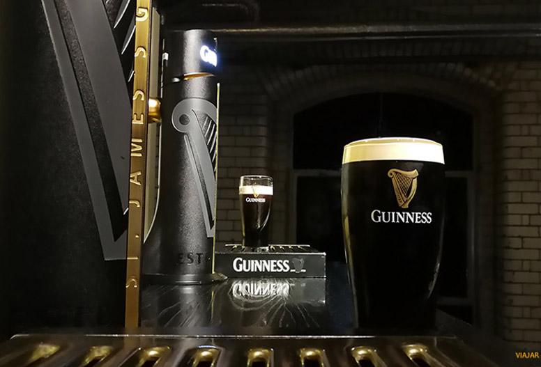 Pintas de cerveza. Guinness Storehouse