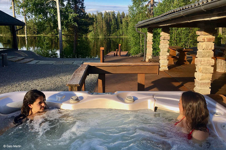 Jacuzzi. Wilderness Boutique Manor Rapukartano. Finlandia