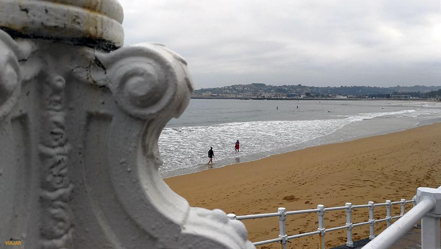 Playa de San Lorenzo. Gijon. Asturias