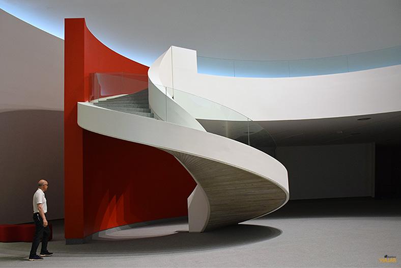 Escalera de la Cupula del Centro Niemeyer. Aviles