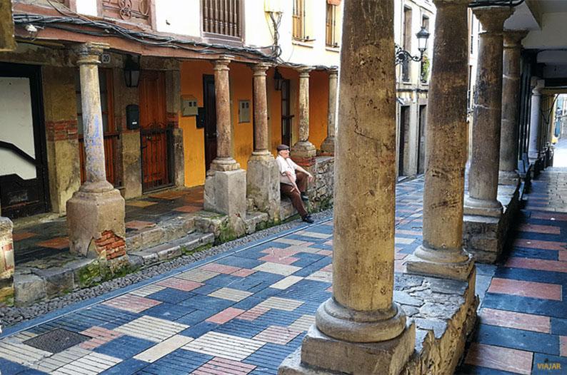 Calle Bances Candamo. Que ver en Aviles