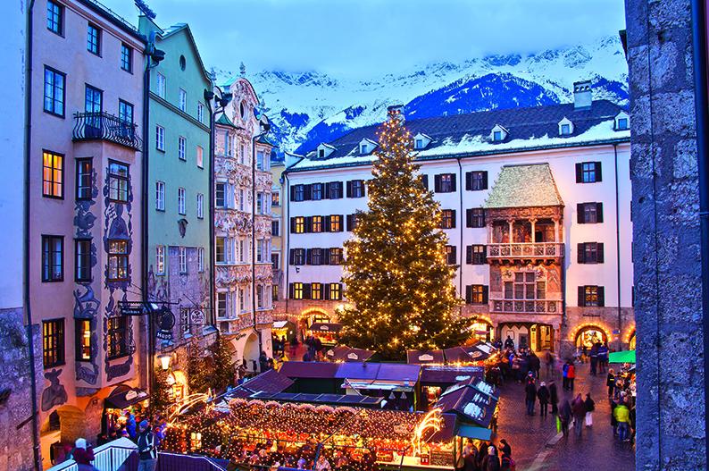Magia navideña en el casco antiguo de Innsbruck © Innsbruck Tourismus Christof Lackner