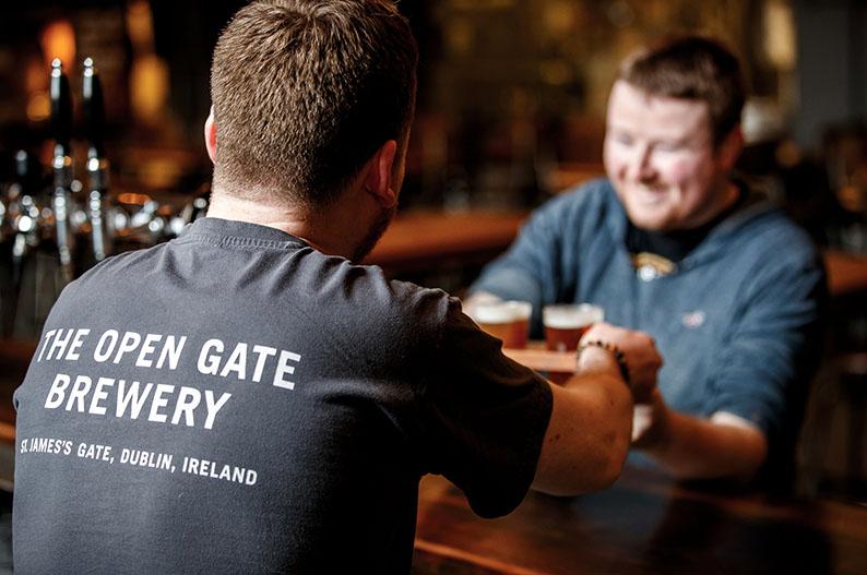 Especialistas en cervezas. Guinness Open Gate Brewery Dublin © OGB
