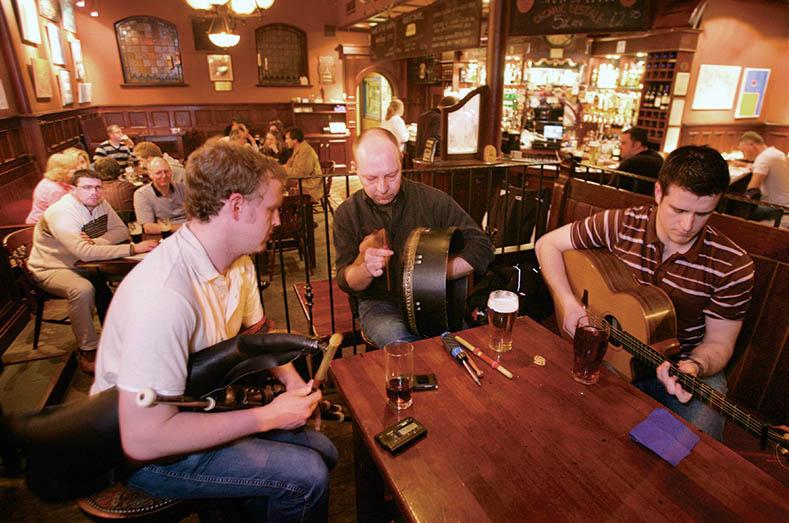 The John Hewitt © Tourism NI. Pubs de Belfast