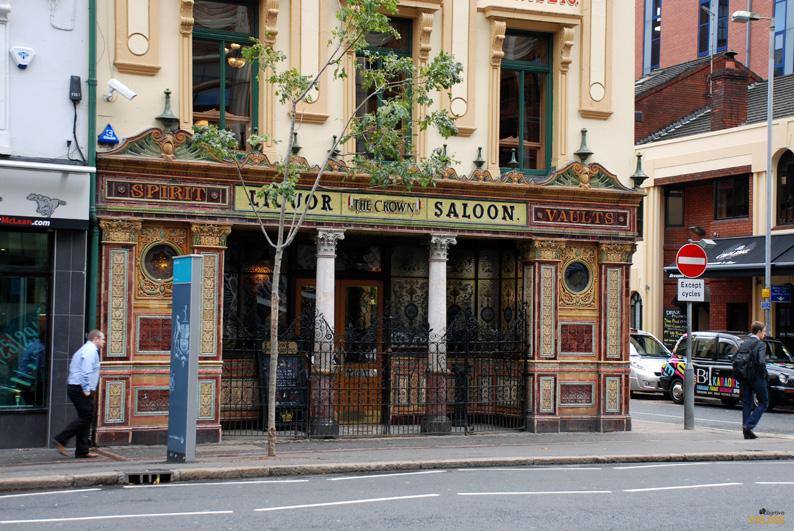 The Crown Liquor Saloon. Pubs de Belfast