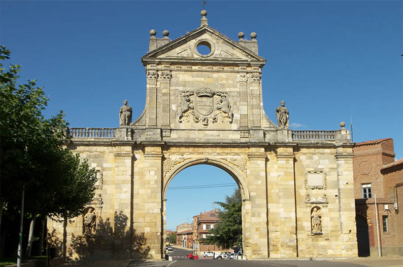 Arco de San Benito. Sahagun