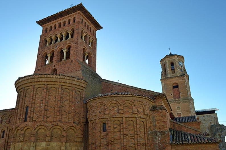 Iglesia de San Tirso de Sahagun. Villas historicas de Leon