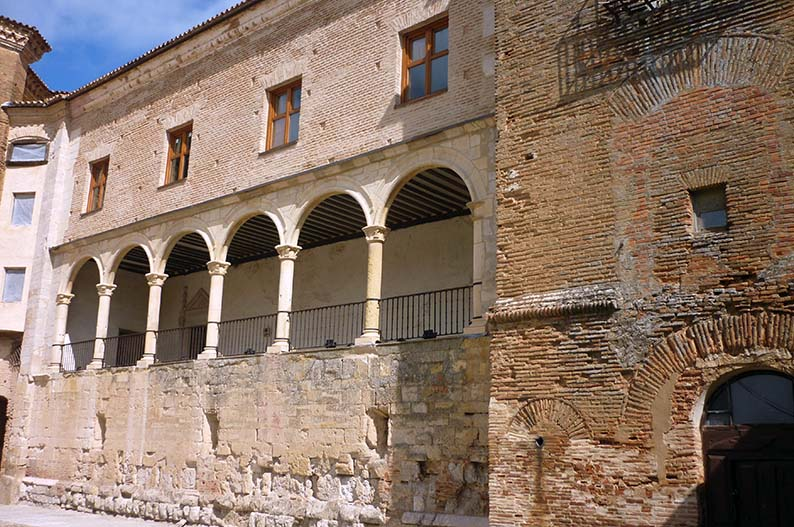 Palacio de los Condes de Grajal de Campos