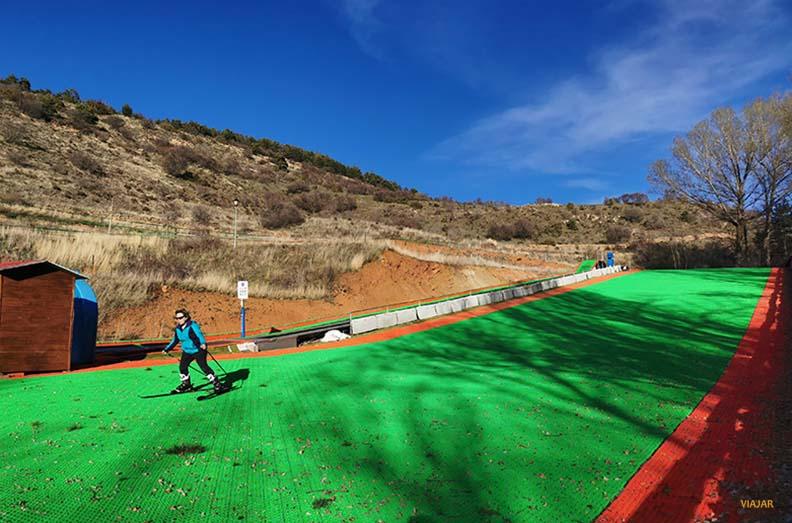 Pista de esqui artificial en Alcala de la Selva